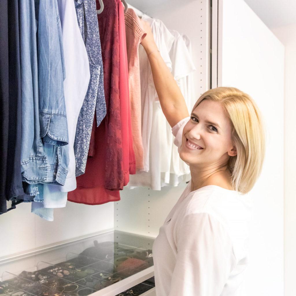 geordneter Kleiderschrank